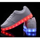 2015 zapatos luminosos de la manera LED para las muchachas de los muchachos