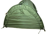 Fischerboot mit Zelt
