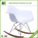 カスタム現代デザイン木足の一つの銀製のプラスチック生きている椅子(ジョン)