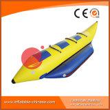 I pesci gonfiabili di alta qualità pilotano la barca che galleggia sul mare (T12-410)