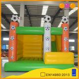 子供(AQ749-2)のためのスライドが付いているフットボールの主題の膨脹可能なコンボの運動場