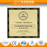 Perfil de alumínio da extrusão da fábrica de Guangdong Weiye para portas e Windows com preço razoável da grão de madeira baixo