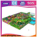 Neuester bunter Plastikinnenspielplatz