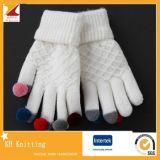 柔らかいポンポンが付いているスクリーンの接触によって編まれる手袋