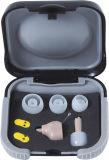 Piccole mini protesi acustiche registrabili di Ite nell'amplificazione del suono dell'orecchio con la batteria supplementare