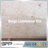 Piedra caliza amarillenta natural del azulejo de suelo del precio bajo con la superficie afilada con piedra