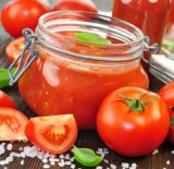 통조림으로 만들어진 도마도 소스, 토마토 퓌레, 토마토 페이스트