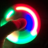 Da inquietação clara do girador do dedo da mão do diodo emissor de luz de Hotsale girador plástico da mão do EDC para brinquedos do autismo e do presente do esforço da ansiedade do foco do relevo de Adhd