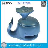 Tazza di ceramica del biscotto di figura blu del delfino