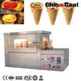 Pizza de cône de crême glacée faisant la machine
