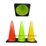 オレンジ黒いベースPVCトラフィックの交通安全の反射円錐形Pjtc107