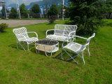 現代屋外の家具のステンレス鋼の藤の表および椅子はセットした