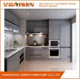 Eleganter hochwertiger kundenspezifischer moderner grauer hoher Glanz-Lack-Küche-Schrank
