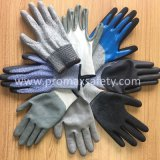 13G Hppe ha lavorato a maglia i guanti resistenti del taglio con il rivestimento nero dell'unità di elaborazione sulla palma