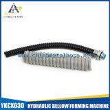 El conducto del metal flexible cubrió el PVC