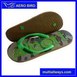 Deslizador del calzado de EVA de los hombres con insignia grabada en la plantilla