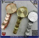 Relógio preciso da senhora forma do movimento de quartzo das vendas da mulher do tipo do ouro da grade da faixa magro luxuosa quente e barata de Yxl-802