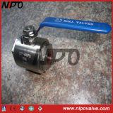 2 части выкованного шарикового клапана продетого нитку нержавеющей сталью