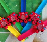 Los niños Yxl-868 miran con los relojes baratos de la historieta de los niños de la palmada, el mejor regalo de Navidad