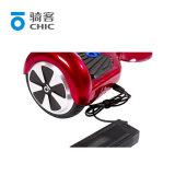 6.5インチ2の車輪の自己のバランスをとるUnicycleのスマートな漂うボードのスクーター