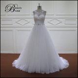 Vestido de casamento bonito branco modesto
