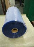 Venda quente rolo de película rígido do PVC do espaço livre do calendário de 0.4mm a de 0.5mm para a formação do vácuo
