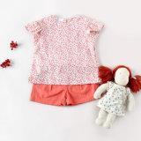 O algodão 100% caçoa a roupa da menina da roupa para o verão