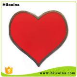 Emblema personalizado do Pin do Lapel do coração da cor-de-rosa da cor