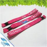 Maximales buntes Festival gesponnene GewebeWristbands mit Plastik für das Partei-Ereignis-Fliegen