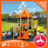 Скольжение спортивной площадки детей парка атракционов напольное