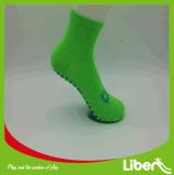 Самые лучшие продавая изготовленный на заказ анти- носки скачки носок Trampoline выскальзования