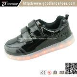 Le sport neuf de chargeur des chaussures USB d'éclairages LED chausse Hf567-2