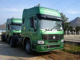 Sinotruk HOWO 4X2 20tのトラックヘッドトラクターのトラック