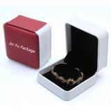 El rectángulo de empaquetado determinado de la joyería de cuero falsa de lujo del regalo con crea para requisitos particulares