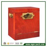 A alta qualidade envernizou a caixa de madeira do vinho com punhos do metal