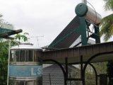 コンパクトなガラス管の太陽給湯装置