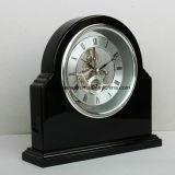 Часы грандиозной черной высокой отделки лоска деревянные каркасные