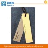 Hangtags de papel negros de la alta calidad con la cuerda del cáñamo