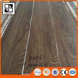 木製の穀物贅沢なPVCビニールの板の床