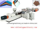 Ligne utilisation de Prouction de machine de panneau de mousse de PVC pour la couche d'isolation