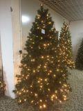 Kurbelgehäuse-Belüftung spitzt den Weihnachtsbaum, der mit LED groß ist, beleuchtet (dunkelblau)