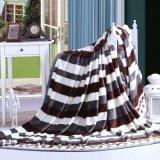 Manta de lana de lujo de alta calidad en el sofá