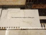 Azulejo esmaltado por completo pulido de mármol blanco natural de la piedra del suelo de la mirada del material de construcción