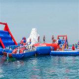 Un PVC di tre colori che fa galleggiare le soste gonfiabili giganti dell'acqua per il mare