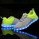 Хороший продавая гибридный материал СИД Flyknit цвета освещает вверх ботинки для взрослого