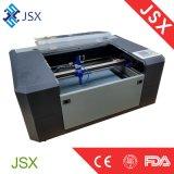 ファブリック革小さいデスクトップCNCレーザー機械のJsx5030 35Wレーザーの切断