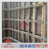 El encofrado usado de la columna de la pared con aprisa instala el acero para las ventas