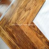 Plancher en bois conçu par chêne en bois en arête de poisson de parquet