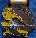 Médaille faite sur commande en métal pour le Triathlon, Islip occidental, sablage