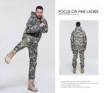 A forma da fábrica morna engrossa o revestimento do terno dos homens camuflar das forças armadas da prova da água macia